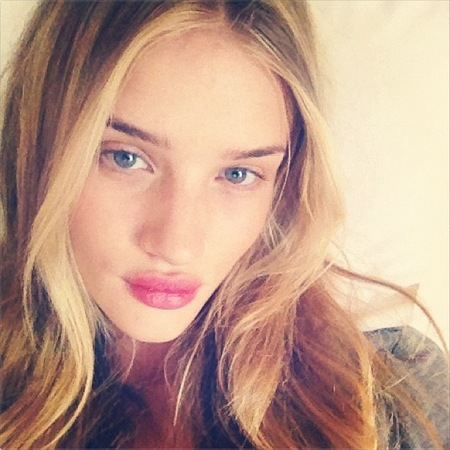 Rosie Huntington-Whiteley Speaks on Enjoying Modeling Lingerie