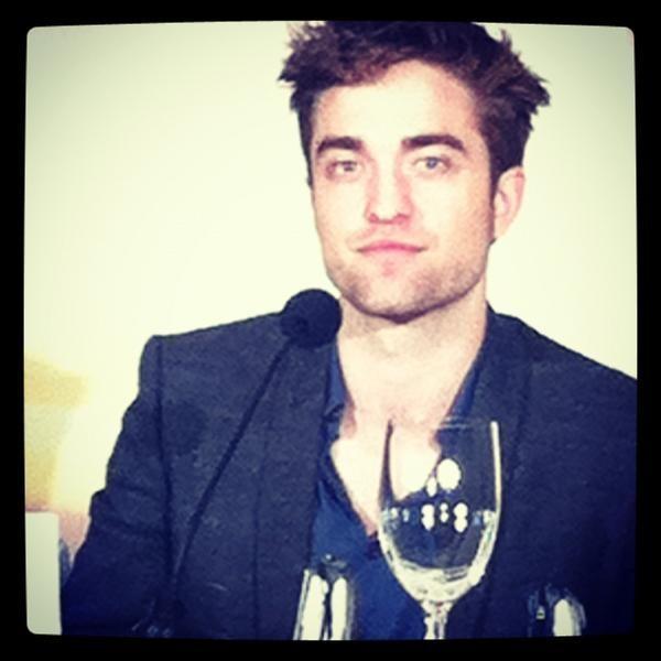 """Robert Pattinson Says Job as Face of Dior is """"Ridiculous"""""""