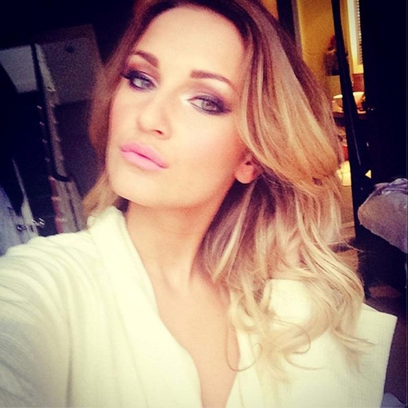 "Sam Faiers Speaks on Her New ""Kind"" Fake Eyelashes Collection"