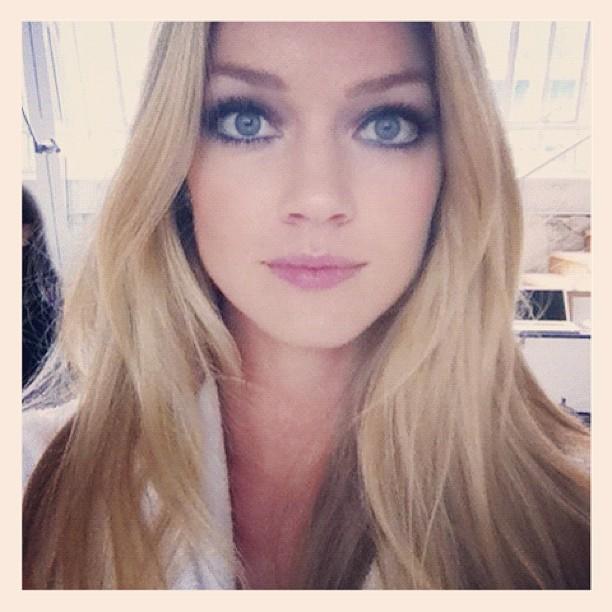 Lindsay Ellingson Reveals Her Makeup Application Tips