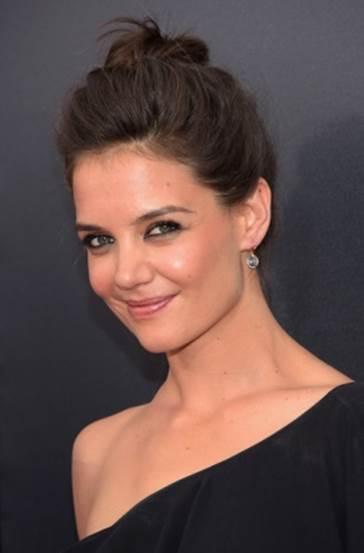 5 of Katie Holmes' Best Makeup Tips& Secrets