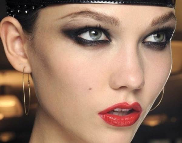 5 Top Eye Makeup Tips By the Pros